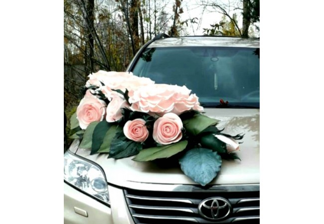 Оригинальные свадебные украшения на машину